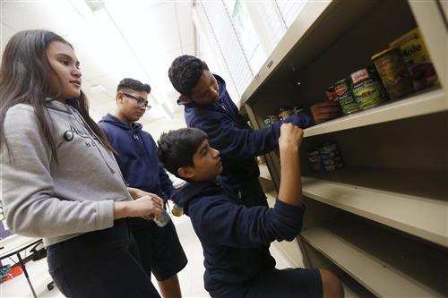 EPISD Community Schools Partners to Open Community Food Pantries