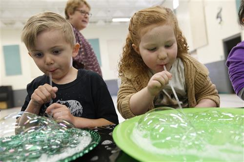 Video+Story: Nixon Kindergarteners Learn Water Science Thanks to Bubbles