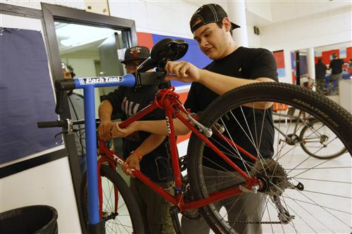Video+Story: Bike Shop Club Gears Up at Irvin