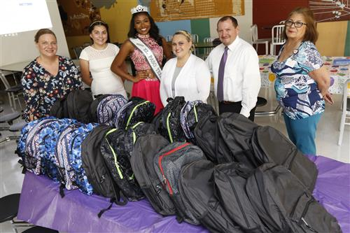Miss Teen El Paso Delivers School Supplies to Ross Middle School