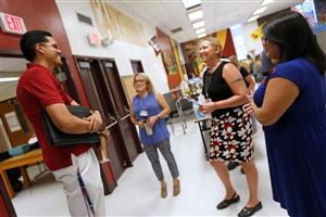 Gallery+Story: 4k EPISD Teachers Return to School