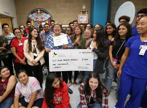 EPISD Education Foundation Distributes $25,000 for Teacher Grants