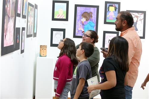 """Gallery+Story: El Paso ISD Students Explore Sense of """"Selfie"""" at District Art Show"""