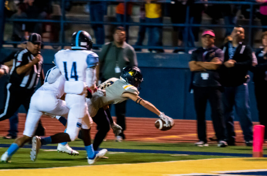 Story in Many Pics: Eastwood Outlasts Chapin 42-32
