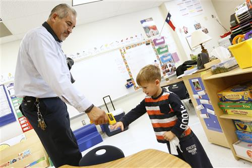 Tom Lea Students Get Lessons From EPISD Maintenance Pros