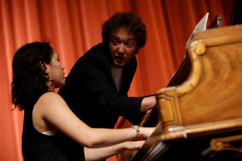 Video+Story: World Renown Pianist gives Coronado Students Master Class