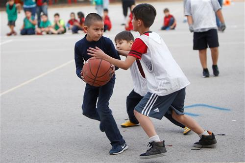 Video+Story: Hart, Zavala Reading Clubs Face Off on the Field, Court