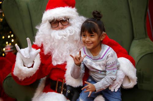 Video+Story: Hillside Students Visit Signing Santa, Learn Life Skills During Mall Visit