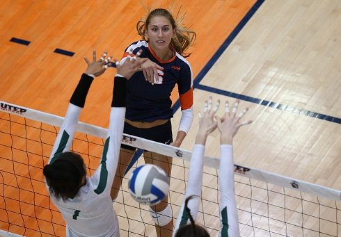 Miners Rally In Set Three, But Fall To LA Tech