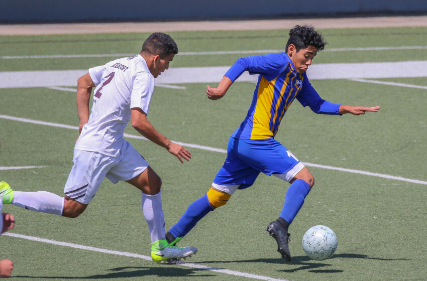 Story in Many Pics: San Eli Soars! Eagles Beat Bulls 1-0 in State 4A Soccer Playoffs