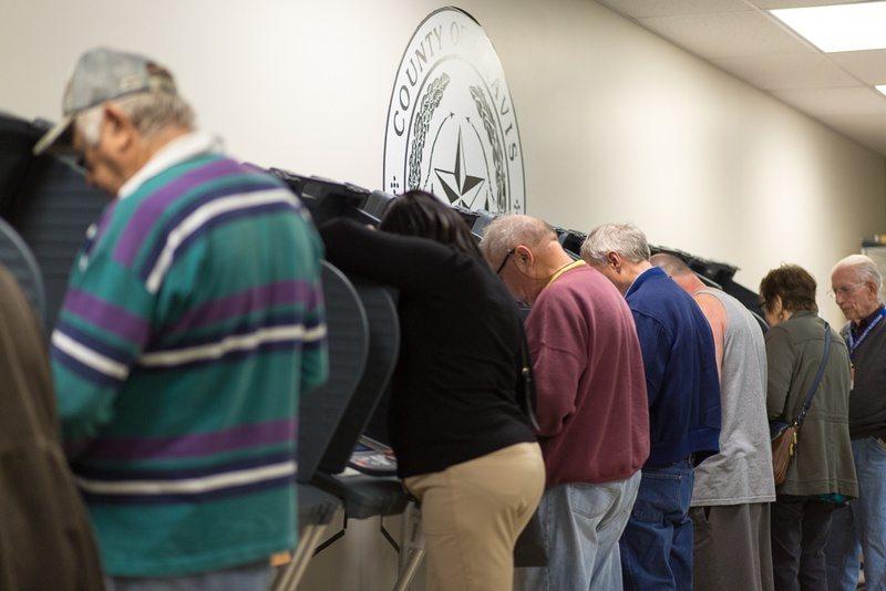 Senate Committee Advances Straight-Ticket Voting Ban