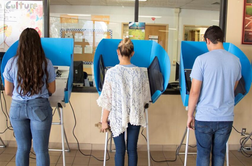 Socorro High Students learn the Importance of Voting