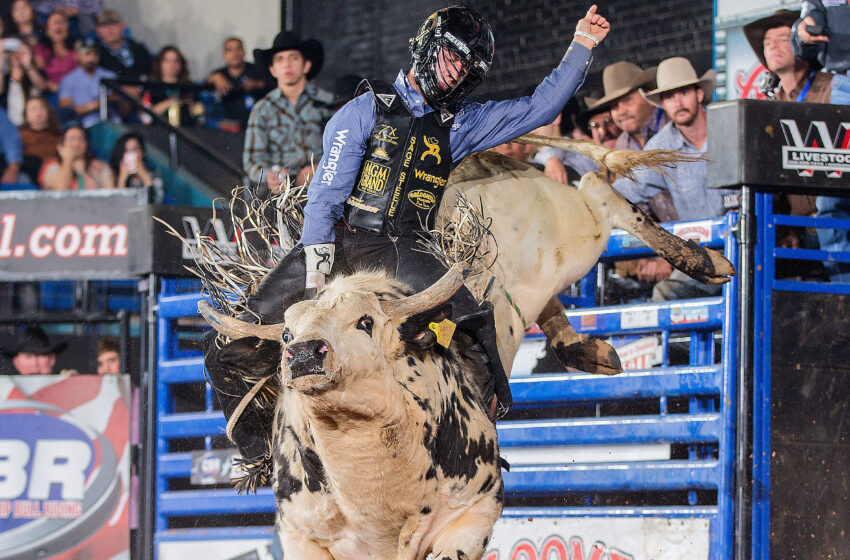 Gallery+Story: Grudge Match Wins Kimzey his third Road to Cheyenne Tour Title