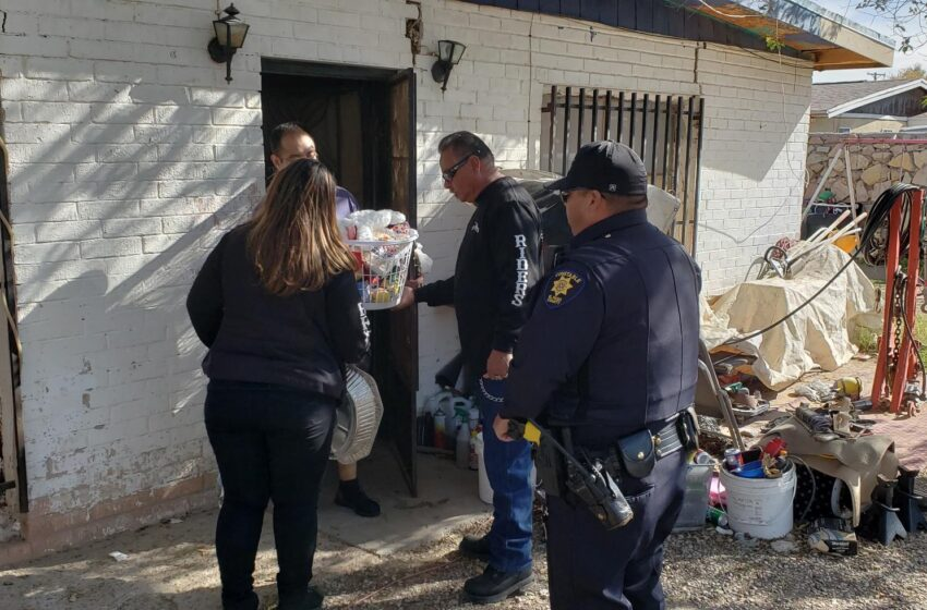 Precinct Six Constables Help Socorro Organizations Deliver Thanksgiving Dinners