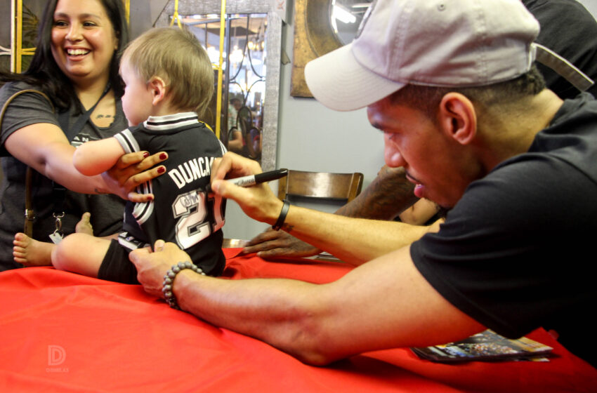 Spurs Star Danny Green Meets With Fans Ahead Of Weekend Basketball Clinic