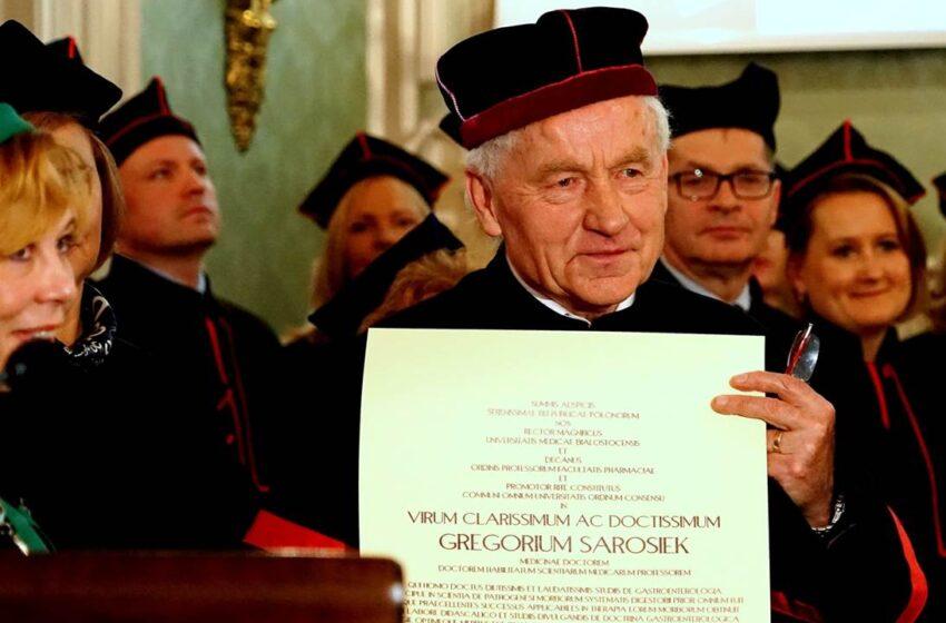 Honorary Doctorate bestowed on Internal Medicine Professor