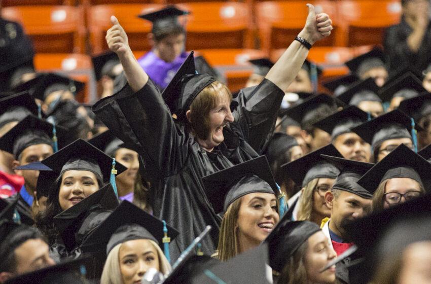 EPCC Celebrates 2200+ Fall Graduates for 2017