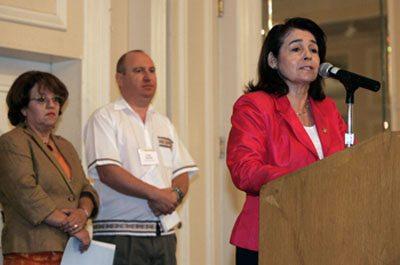 UTEP Professor Earns Prestigious Award at Bilingual Conference