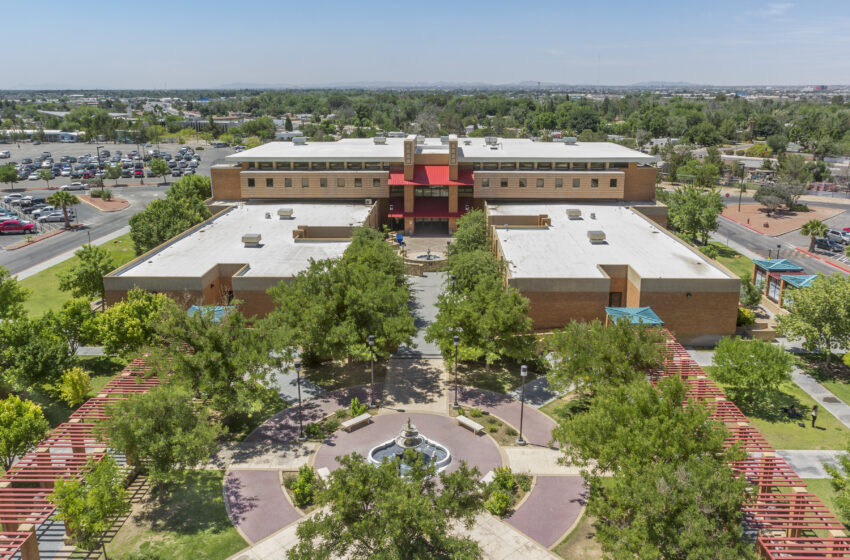 EPCC Dual Credit, Early College High School Program Recognized as Example of Excellence Finalist