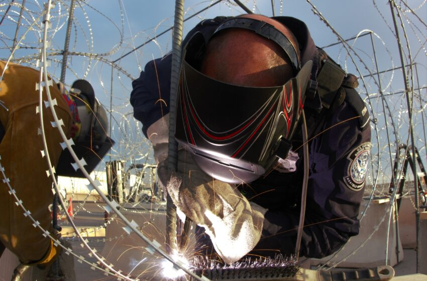 Customs and Border Protection Begins Installing Razor Wire, Barriers at El Paso-area Ports of Entry