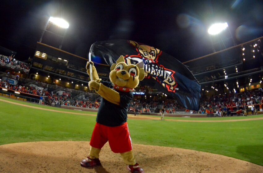 Video+Gallery: How SWEEP it IS! Chihuahuas Rally to Beat Aces 7-6; Take Pacific Conference Crown