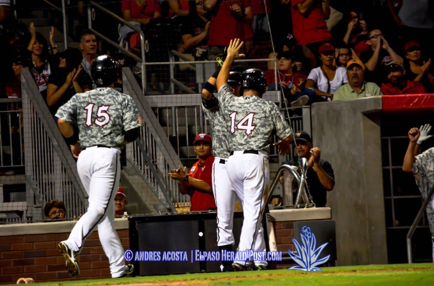 Story in Six Pics: Chihuahuas rally to beat Grizzlies 6 to 4