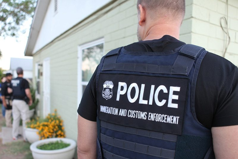 Critics: Arrest of Alleged Abuse Victim in El Paso Could Deter Immigrants from Reporting Crimes