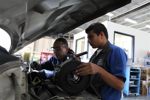 Internship Turns EPISD Bus Barn into Classroom for CCTE Students
