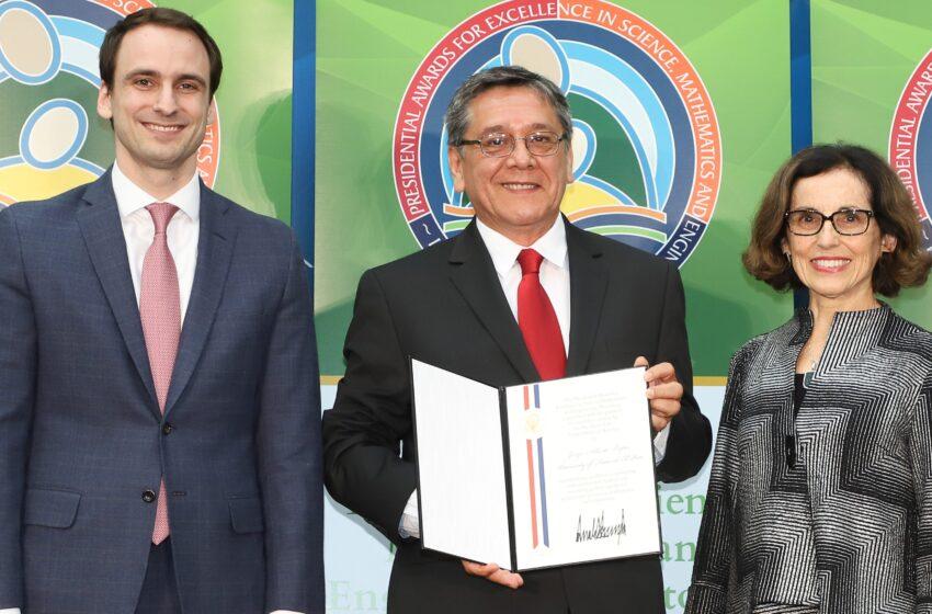 White House Honors UTEP Physics Professor With Mentorship Award