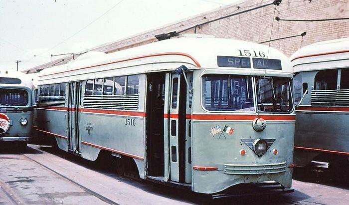 El Paso Streetcar work shifts to Wyoming Steet; Arizona, Texas Avenues Re-Open