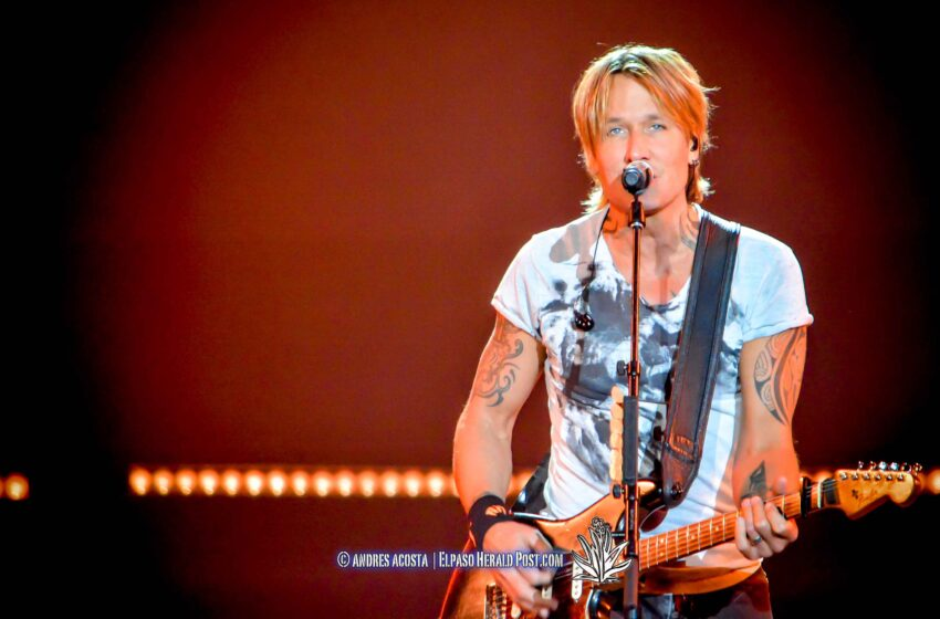 Story in Many Pics: Keith Urban ripCord World Tour