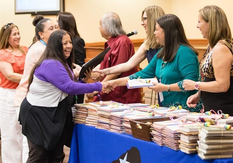 Socorro ISD Honors Parents who Participated in Latino Family Literacy Project
