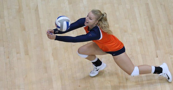 Miners Fall to Aggies in Three Sets