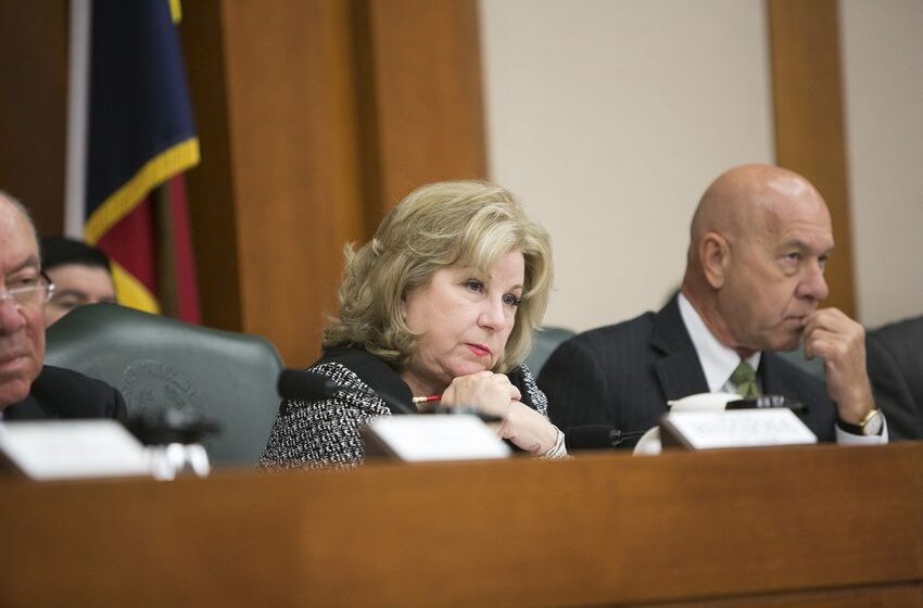Texas Senate panel advances $5,000 teacher pay raise proposal