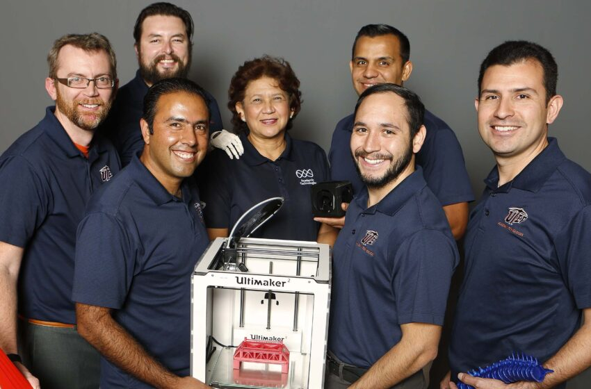 UTEP Team Promotes Benefits of 3-D Prototyping at EDUCAUSE