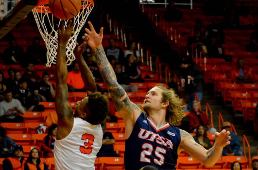 Gallery+Story: Missed Free Throws Add Up as UTSA Upends UTEP 63-59