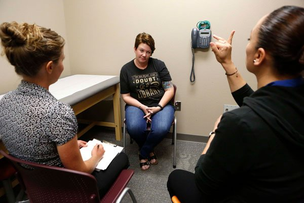 UTEP Social Work Students Learn Through Show of Hands