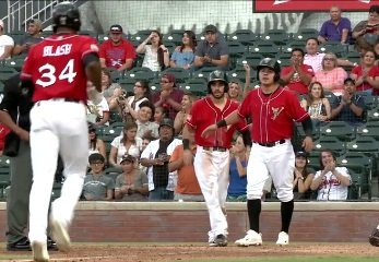 Video+Story: Fresno Strikes First, Grizzlies Roll to 11-5 Victory over Chihuahuas