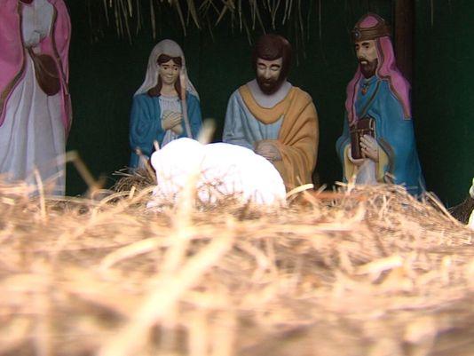 Abbott, Paxton Make Pitches for Nativity Scene
