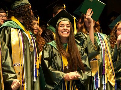 Valle Verde Early College High School honored by Newsweek