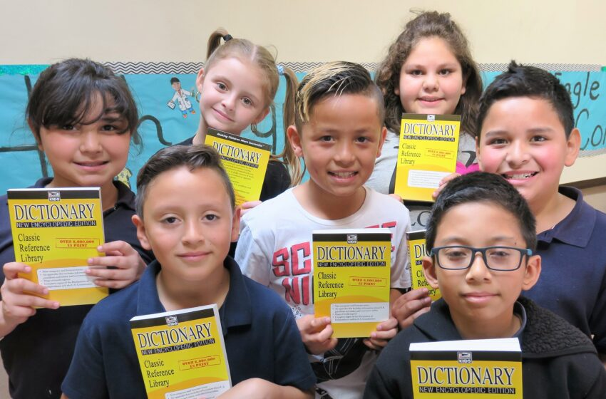 San Elizario ISD Third Graders Receive Free Dictionaries