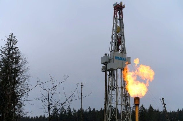 Study: Emissions From Fracked Wells Linked to Low Birthweight Babies