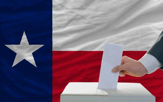 Advocates Push for More Latino Votes in Texas