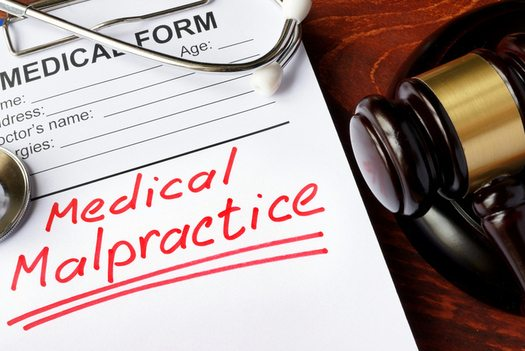 Poll: Texans, Others Oppose Bill to Limit Malpractice Lawsuits