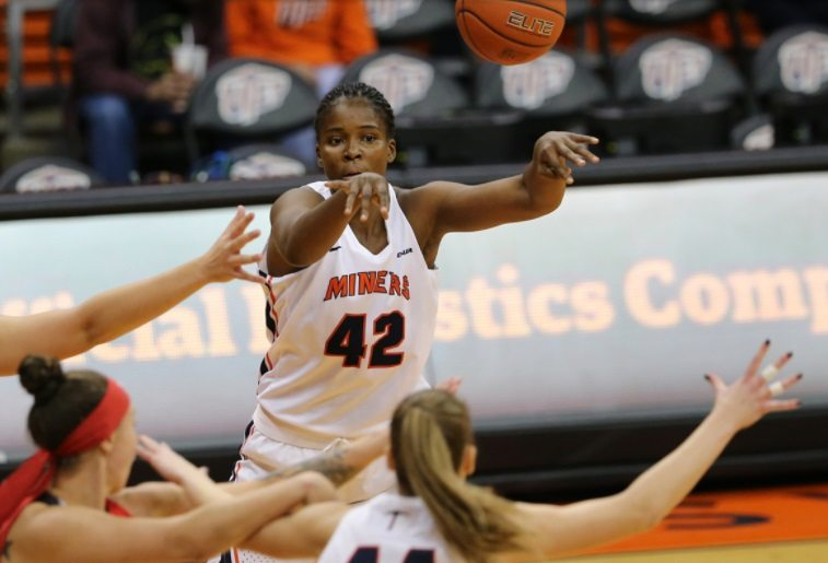 UTEP Drops Cal State Fullerton in Double-OT 92-91