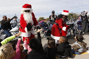 Video+Story: El Paso Bikers Pick Up Donated Toys from EPISD Schools