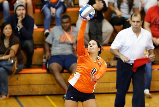 UTEP Volleyball win one, lose one in day two of TCU Tournament
