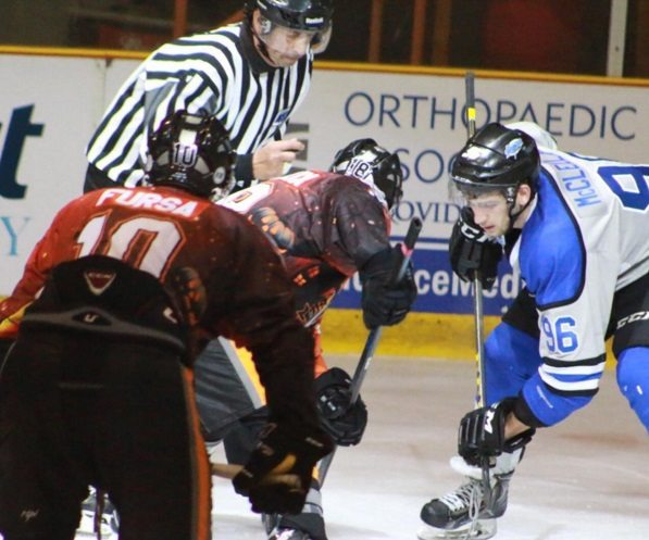 Rhinos drop home opening series to Thunder