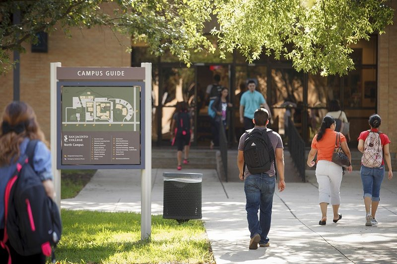 Texas Lawmakers Might let Community Colleges offer Bachelors' Degrees
