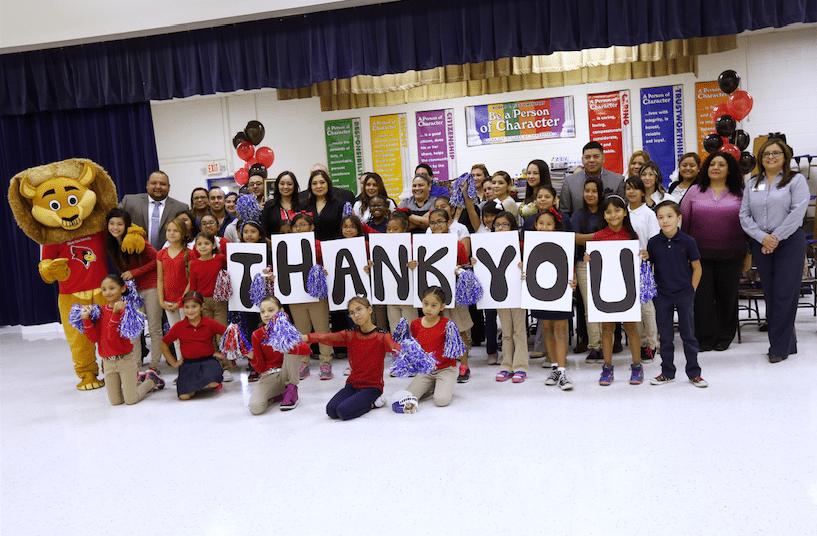 Verizon donates school supplies to Lee Elementary